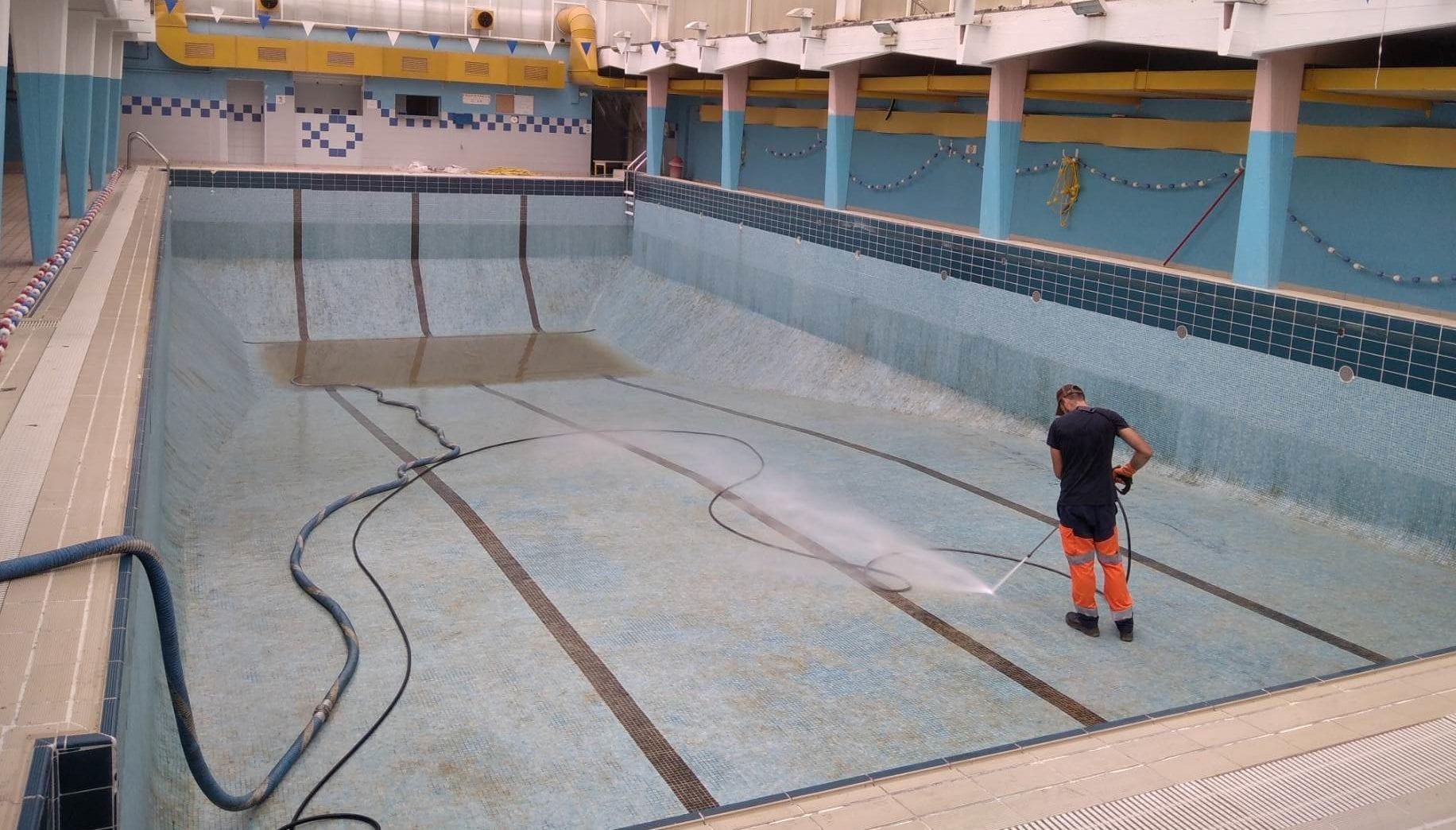 Pompage nettoyage piscine